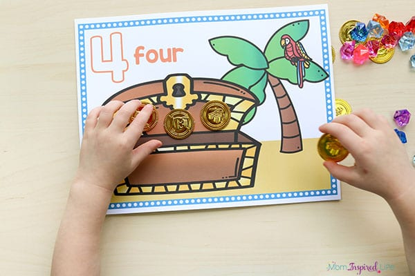 Practice counting and one to one correspondence with these pirate counting mats!