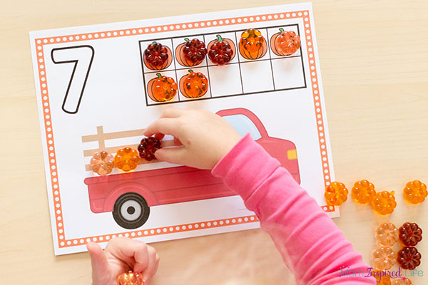 Pumpkin math activity for preschool and kindergarten. A fun way to develop number sense this fall.