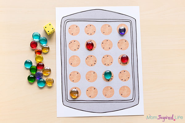 Cookie math game for preschool and kindergarten.