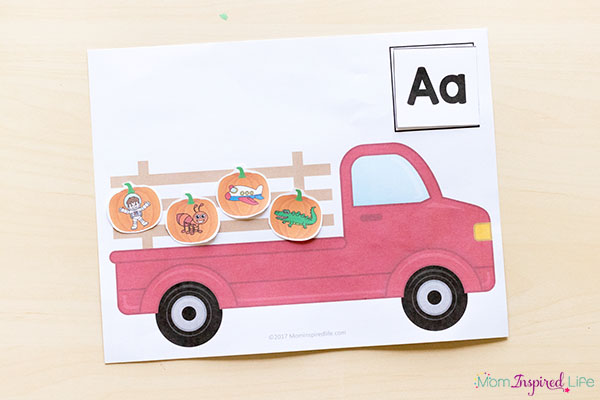 A fun pumpkin literacy activity for pre-k and kindergarten.