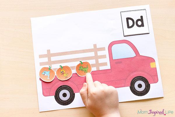 A hands-on pumpkin activity that teaches beginning letter sounds.