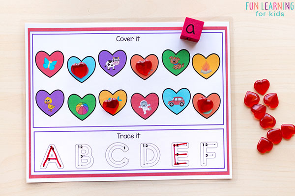 This Valentine's Day literacy activity is great for preschool or kindergarten centers or morning work.