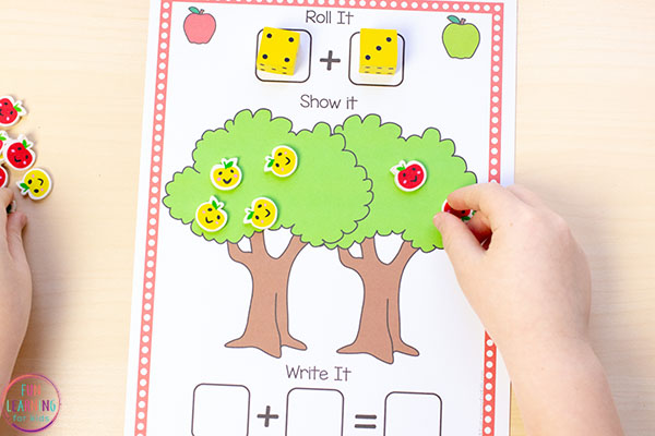 Apple tree addition mat for preschool and kindergarten.