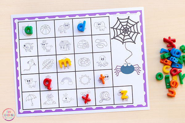 Learn beginning letter sounds with a fun spider activity that your preschoolers and kindergartners will love!