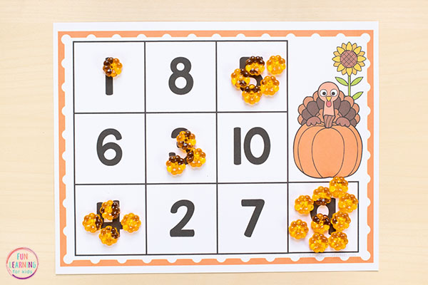 A fun turkey math activity for your Thanksgiving centers this fall!