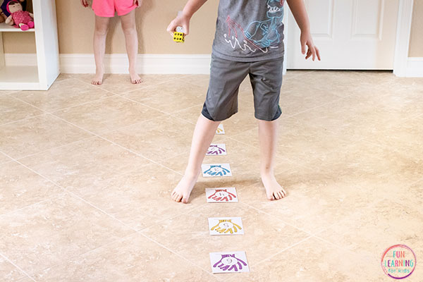 A fun ocean math activity that uses a number line to help kids learn addition and subtraction facts.