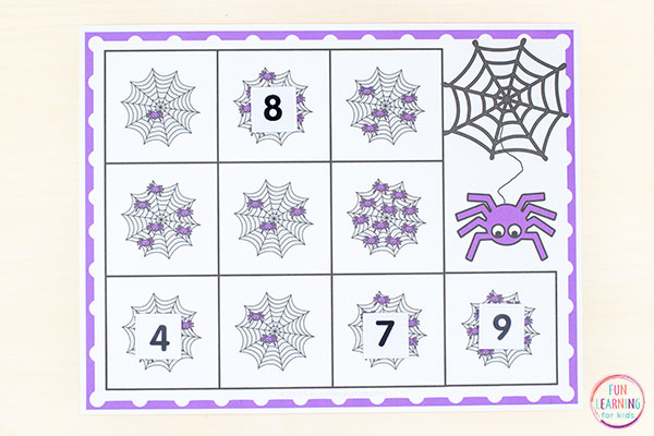 Spider counting activity mats